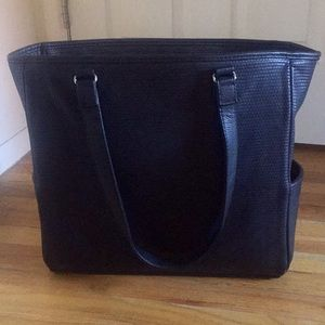 Thirty-One Cindy Tote in Black Beauty Dotty Pebble